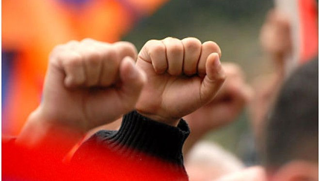 ΕΛΜΕ Πειραιά: Κάλεσμα σε κινητοποίηση στην περιφέρεια ενάντια στην υπουργική απόφαση για τη διδασκαλία Β' Ξένης γλώσσας